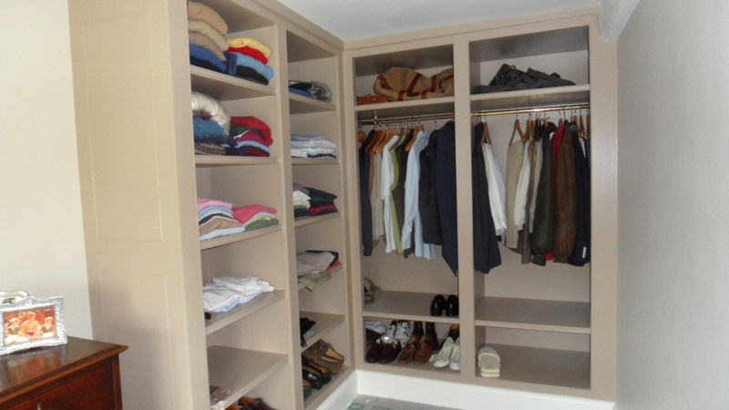 Custom Built Oak Wood Walk In Closet Shelves