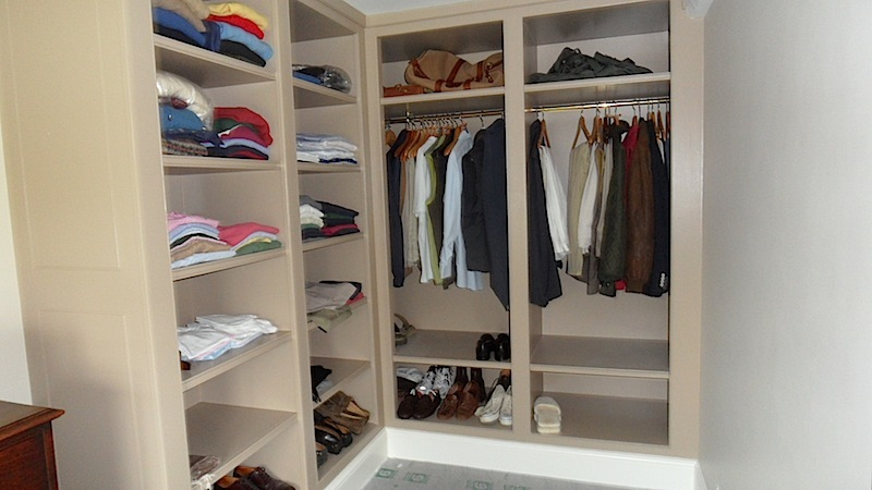 Designer Painted Oak Wood Walk In Closet